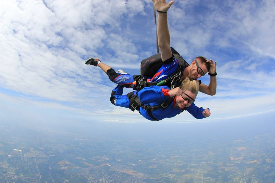 Allyson_Lewis Skydiving