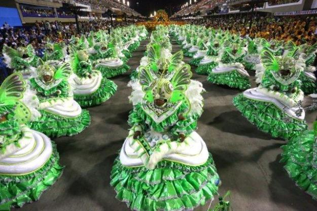 rio-carnaval-mocidade